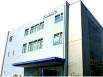 国内外で高いシェア率を誇るウォッシャーノズルをはじめとした精密製品メーカーです。インドネシア工場の稼働でますますシェア率が広がっています。