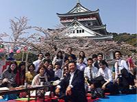 https://iishuusyoku.com/image/新入社員入社式後の花見イベントです。中国やアメリカなど、外国籍の社員も多く、多言語が飛び交う環境であなたもエンジニアを目指してみませんか?