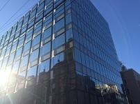 https://iishuusyoku.com/image/一流の商社が集まる、中央区日本橋にある本社。2014年に移転したばかり。新築のビルなので、オフィス環境快適!