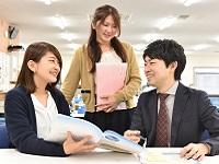 https://iishuusyoku.com/image/プログラミング言語の勉強経験があれば大丈夫!優しい先輩が丁寧に仕事を教えますので安心してくださいね。