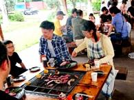 https://iishuusyoku.com/image/年に1度開催されるBBQの様子です。家族を連れて行うこともあり、仲が深まる場となっています。