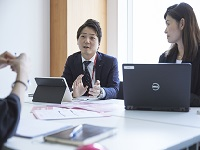 http://iishuusyoku.com/image/保険の提案方法のレクチャーだけでなく、店舗経営における様々なご相談にも乗りながら、Win-Winの関係を構築していきます。