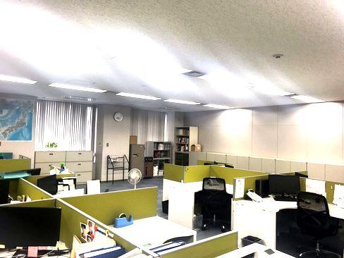 http://iishuusyoku.com/image/土日祝休みで、残業も月15h程度で働きやすい環境です。充実の待遇で入社後の定着率も良く、社員が安心して働ける環境があります。
