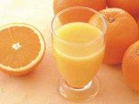 例えば、オレンジジュースに一滴の香料(フレーバー)を加えるだけで、果汁だけのオレンジジュースよりも美味しく感じるのです!