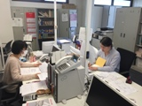 https://iishuusyoku.com/image/マイカー通勤もOKです!始業も8:45からで通勤にもストレスがありません。