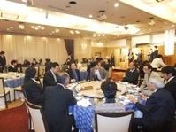 浅草ビューホテルにて毎年行われている新年会。グループ全体が集まり、盛大に新年を祝います。