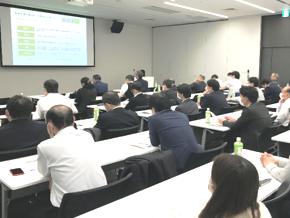 http://iishuusyoku.com/image/システムユーザーの声もお届けしながら、同社の会計システムの特徴や最新のシステムのご紹介を行う同社主催のセミナーも開催しています。